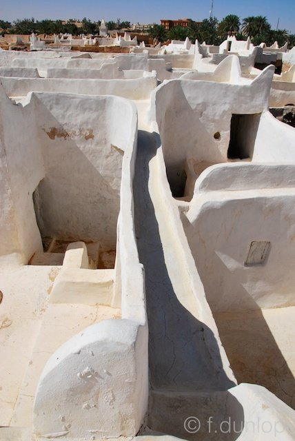 Ghadames: interconnecting roofs and bridge