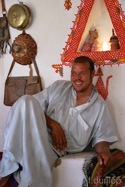 Ghadames: Berber in patio tea-house