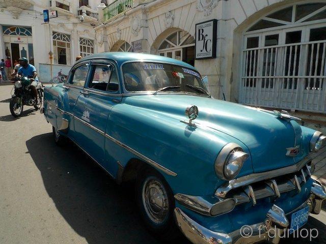 Santiago de Cuba main square 1950s car