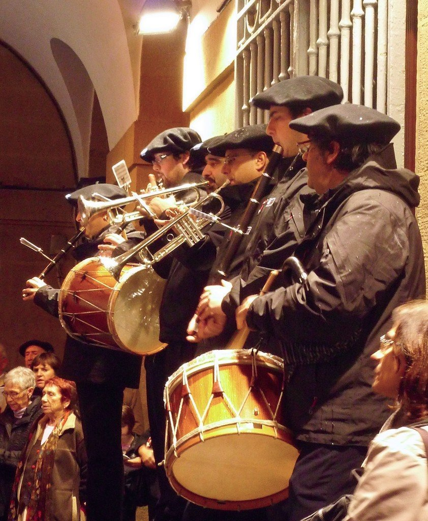 an sebastian old town Basque band