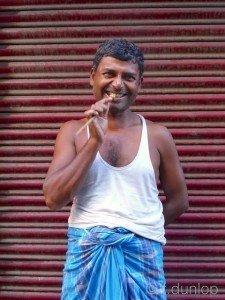 Kolkata+Bengali+cleaning+teeth