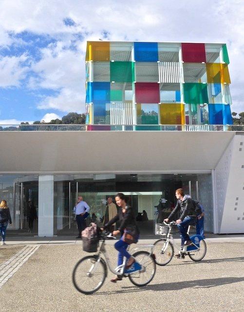Malaga+Centre+Pompidou+cyclists