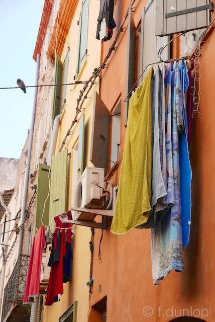 Perpignan_old_street_laundry