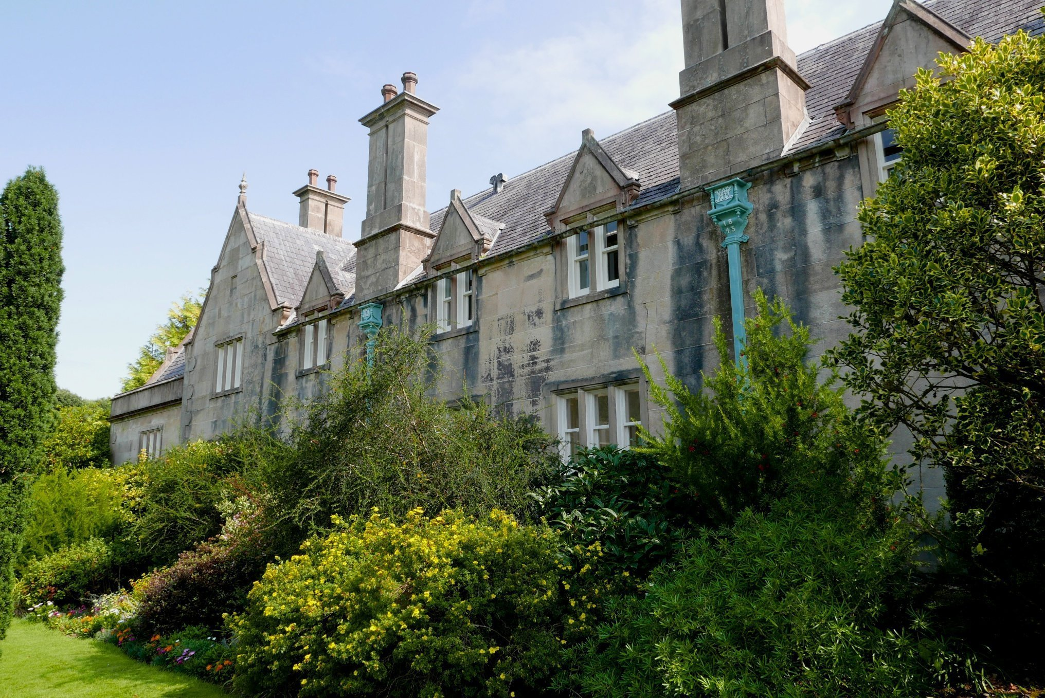 Ireland_Killarney_National_Park_Muckross House