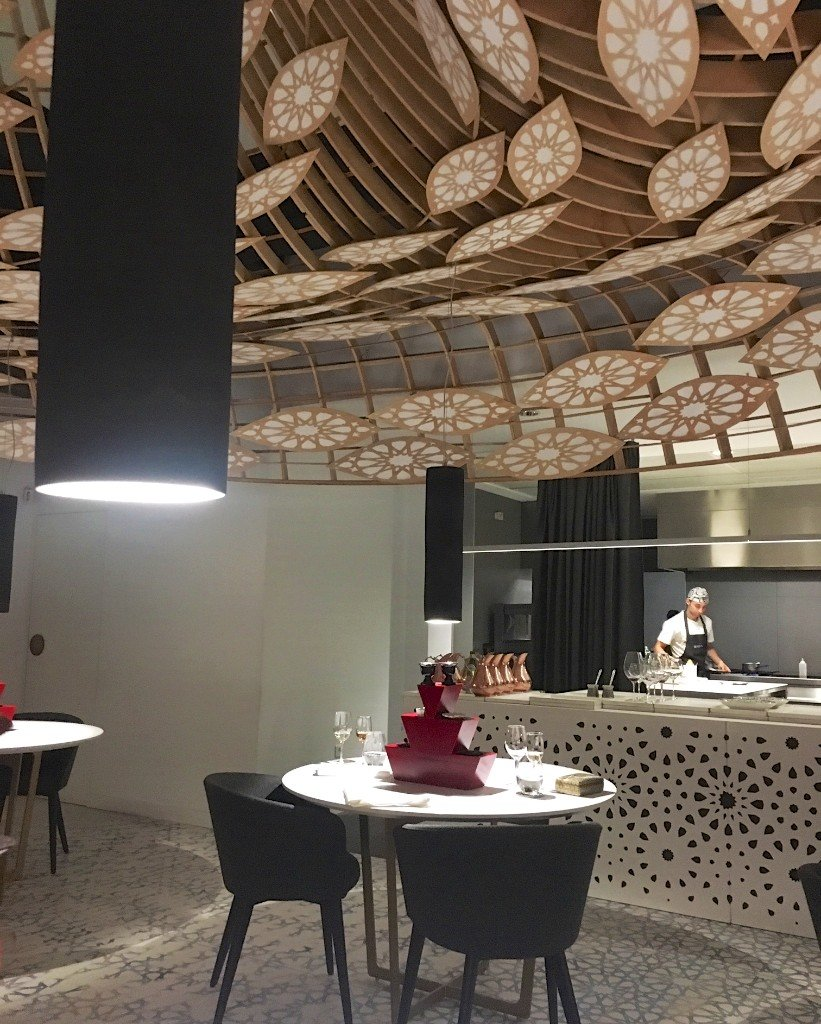 Noor, Cordoba, open kitchen