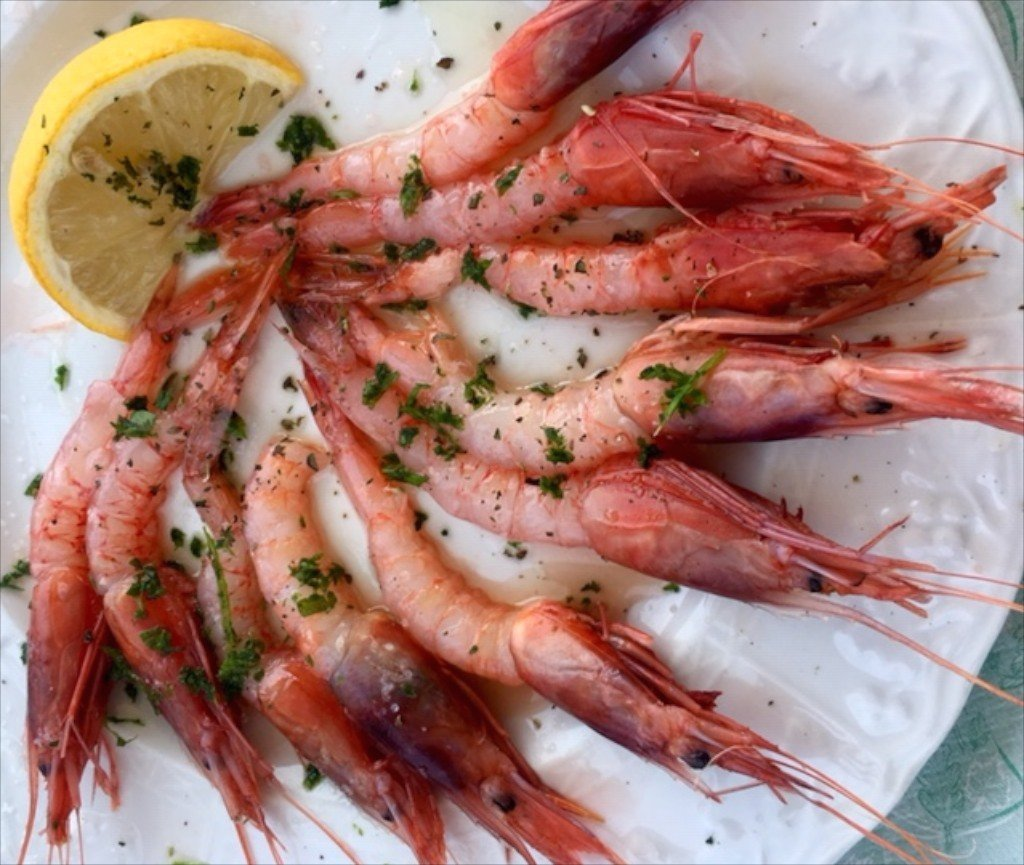 Puglia, Porto Badisco, red prawns from Gallipoli