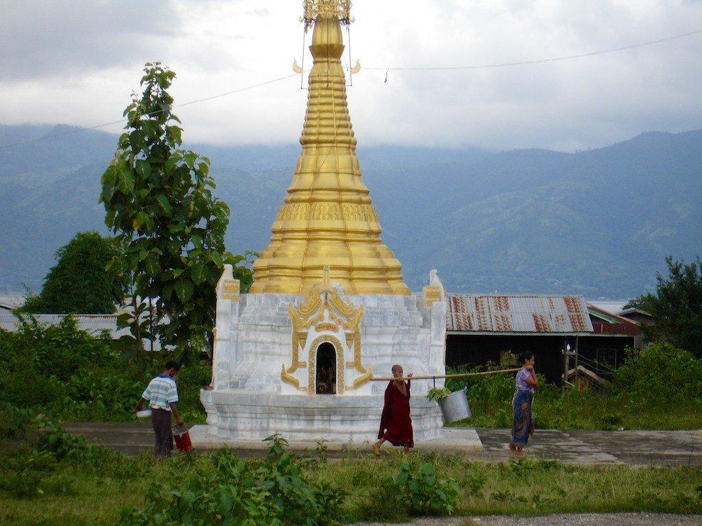 Burma, Inle Lake, stupa, morning