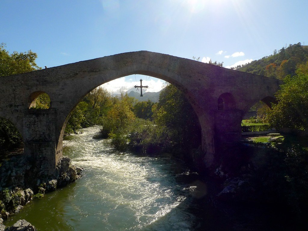 Spain, Asturias, Cangas de Onis bridge