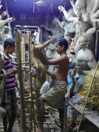 Kolkata+Kumartuli+artisan+statue