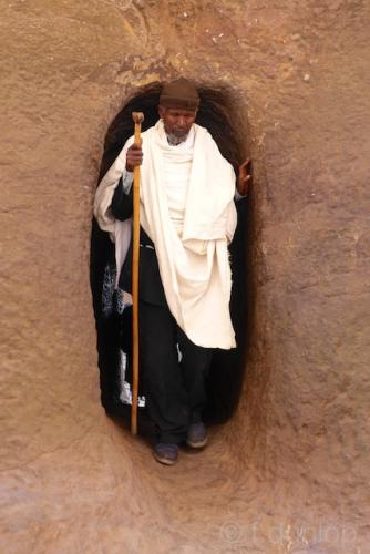 Ethiopia_Lalibela_church_pilgrim