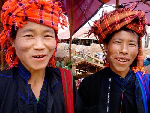 Pao sisters in Pindaya, Burma
